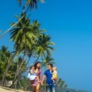 фотосессия всей семьи на пляже